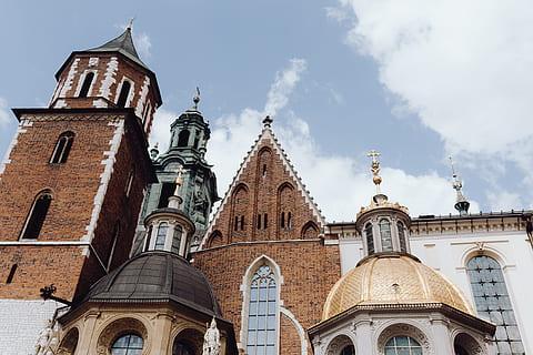 town-city-poland-europe-thumbnail.jpg